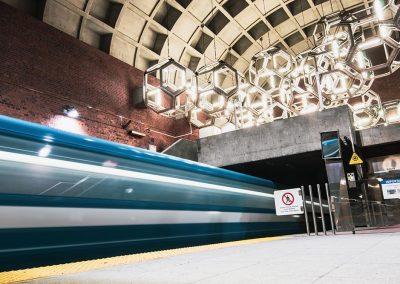 Station de métro Namur à 300 mètres de Westbury Montréal
